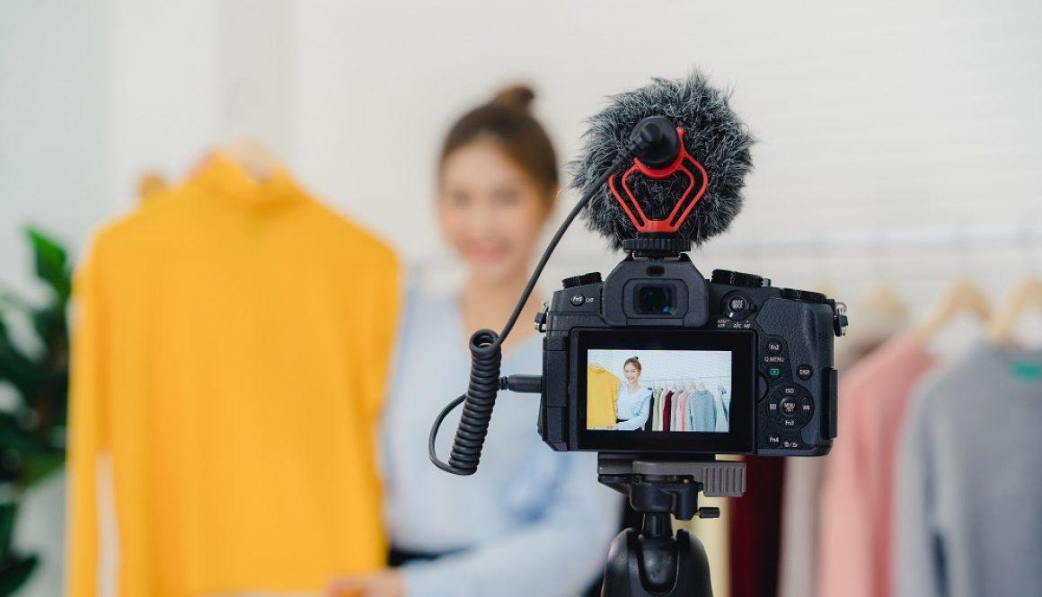 Asian fashion female blogger online influencer holding shopping